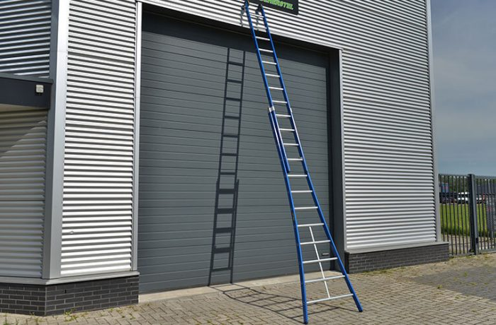 top-way-ladder-uitgeschoven